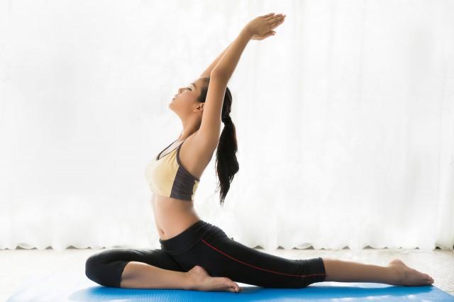【图】瑜伽初学者入门简单动作随处练