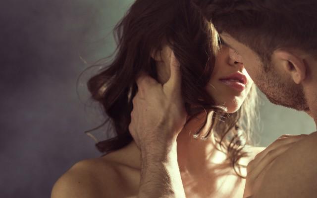 【图】男人主动吻你是什么意思 女人不要弄错了其中的感情_主动