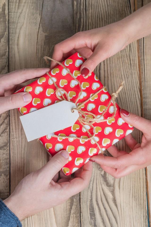 给男生送什么礼物合适 这几种选择非常不错