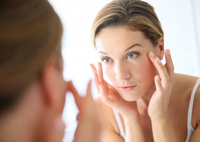 学习卸妆油用法 爱美女士必备小技巧