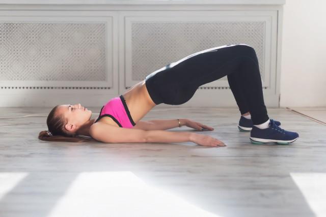 女人怎么减肚子上的赘肉轻松甩掉大肚腩可以这样做