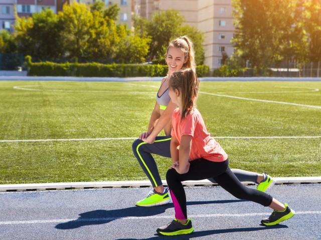 跑前热身运动图解 教你如何保护自己