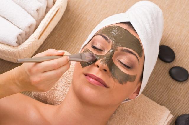 敷脸面膜有哪些 自制护肤产品的要点