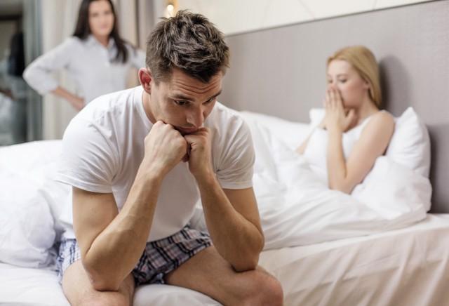 男人心里藏着另一个女人的表现有哪些 为你分析一下他的真实心理