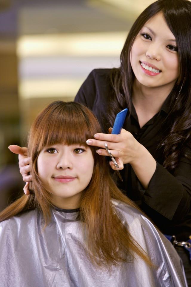 【图】烫发长发头像女新年一切男生开始从头戴帽子发型动漫图片