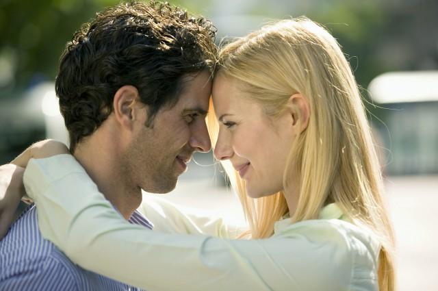 【图】男生盯着女生看很久是什么意思 你都了解吗_男生