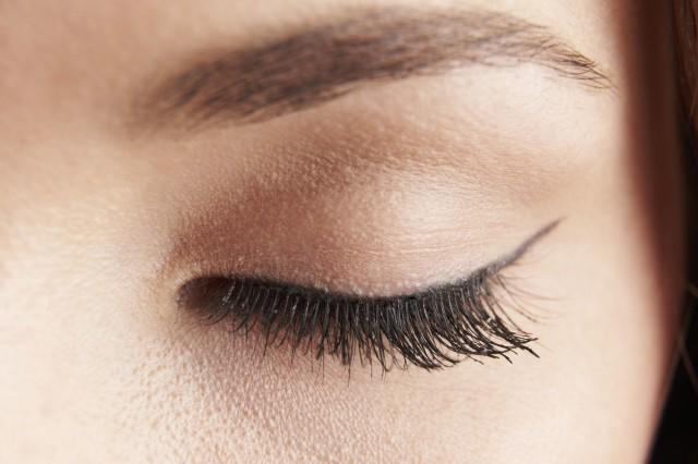 睫毛膏怎么卸妆干净,3种方法快速又干净