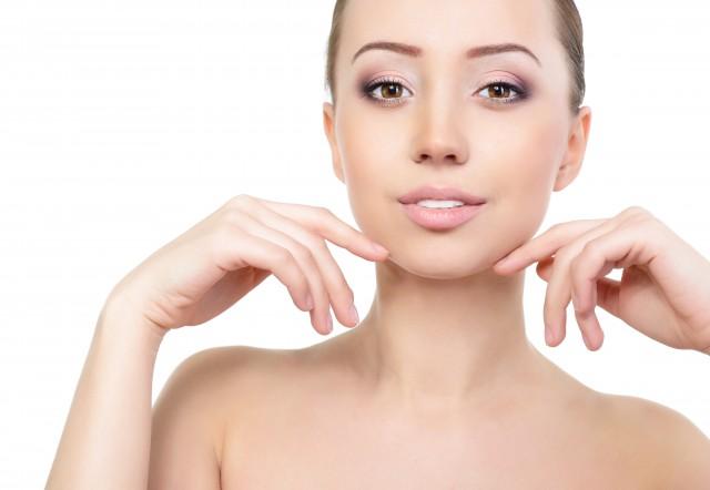 脸上毛孔粗大是什么原因引起的,教你改善毛孔粗大的方法